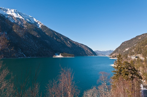 Achenkirch und der Achensee bieten sehr viel Abwechslung für jedermann. Foto von Cervix  / pixelio.de