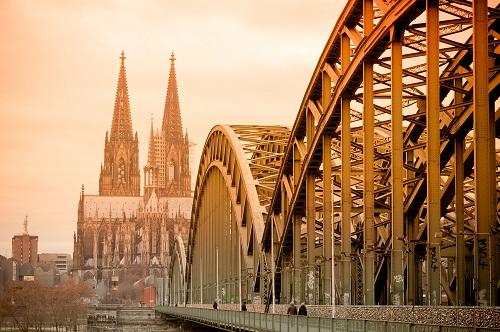 Deutzer Brücke über den Rhein