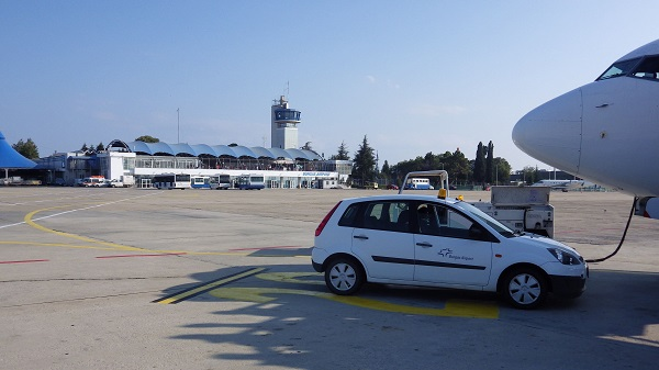 Flughafen Burgas - Bulgarien-Urlaub - auf dem Weg zum Sonnenstrand