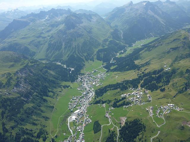 Lech amr Arlberg von oben