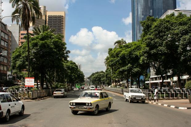 Kenyatta Avenue, eine der grossen Strassen in Nairobis Zentrum. © Willi Dolder