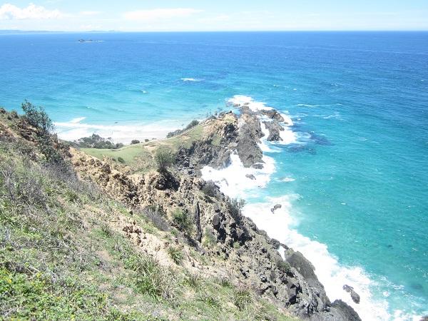 Imposante Felsenküste in der nähe des Leuchtturms
