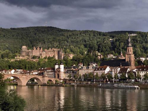 Blick auf Heidelberg vom Neckar