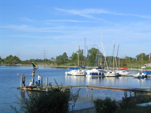 Bild 2: Urlaubsfreuden am Wasser