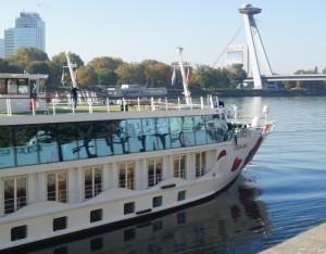 Die A-ROSA-MIA im Hafen von Bratislava