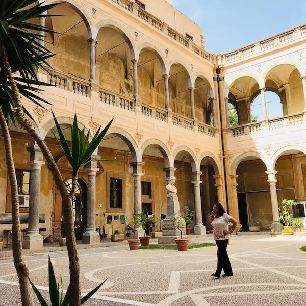 die zentrale Regionalbibliothek von Sizilien