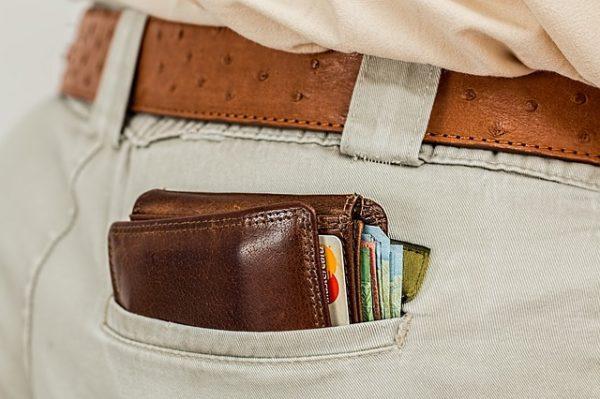 Mit Kreditkarten gebührenfrei Geld abheben im Urlaub auf Reisen